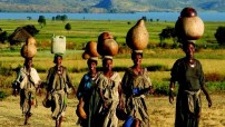 It is a hard work - women collecting water (Courtesy photo - Ceritalily)