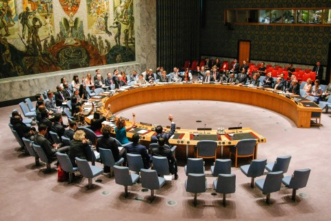 The Security Council unanimously adopts resolution 2170 (2014), imposing sanctions on six individuals associated with the Islamic State in Iraq and the Levant (ISIL) and with Al-Nusra Front (ANF), terrorist groups which now control parts of Iraq and Syria. 15 August 2014 (UN photo by Leoy Felipe)
