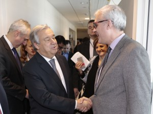 UN Secretary General Antonio Guterres talking to our editor Erol Avdovic (left) while touring UN Press offices (Photo by Luiz Rampletto for Webpublicapress - January 2017)