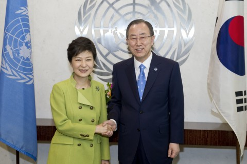 United Nations Secretary-General Ban Ki-moon (right) meets with Park Geun-hye, President of the Republic of Korea.06 May 2013 United Nations, New York (UN photo by Eskinder Debebe)