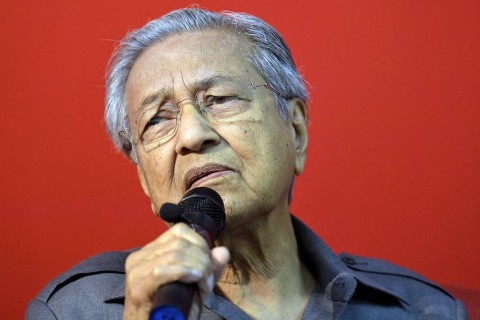 Dr Mahathir Mohamad says the government has no idea which party you vote for. – The Malaysian Insight pic by Najjua Zulkefli, July 26, 2017. (Photo for education only)