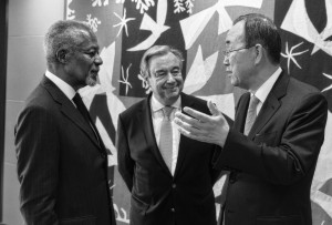 Former Secretaries-General Kofi Annan (left) and Ban Ki-moon (right) pay a courtesy call on Secretary-General António Guterres. 13 October 2017 (UN photo by Mark Garten)