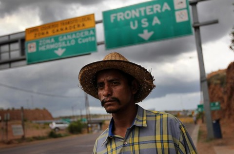 Immigrant from Mexico tp US (Courtesy photo for education only)