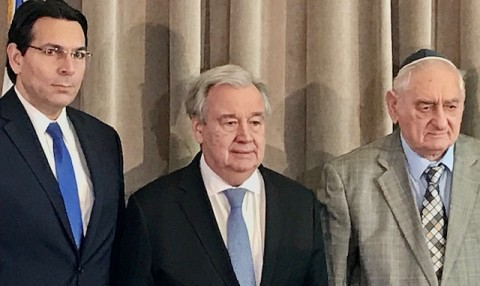 UN Secretary General Antonio Guterres with Isralei ambassador to the UN Dany Danon (left) and Holocaust survivor Zoltan Matyash (right) at the Auschwitz Liberation Day event at the United Nations in New York, 21 January 2020 (Photo by Erol Avdović Webpublicapress).