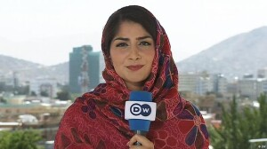 Waslat Hasrat-Nazimi DW reporter reporting from Afghanistan (DW photo)